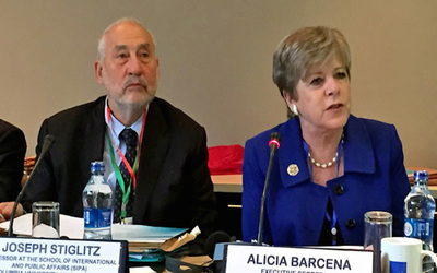 Nobel Prize-winning economist Joseph Stiglitz and Economic Commission for Latin America and the Caribbean Executive Secretary Alicia Barcena