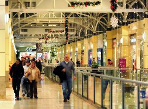 Holliday Fenoglio Fowler obtains financing package for multistate mall construction project.