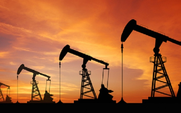 UAE ministers will hold a retreat to discuss ways to reduce the country's reliance on oil revenues.