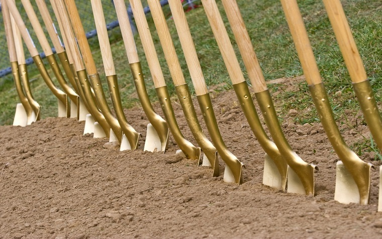 Arizona Oncology recently held a groundbreaking ceremony for its new cancer treatment center.