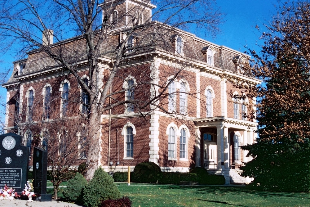 Effingham Courthouse, a city in which residents are projected to pay an additional $6,114,293 in income taxes this year.