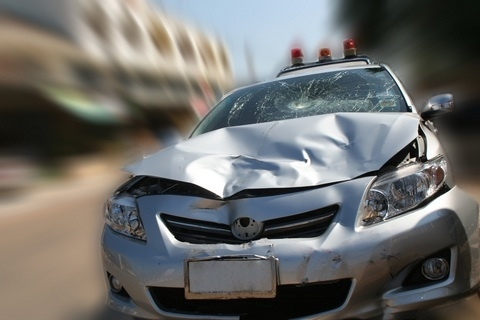 Wrecked car3