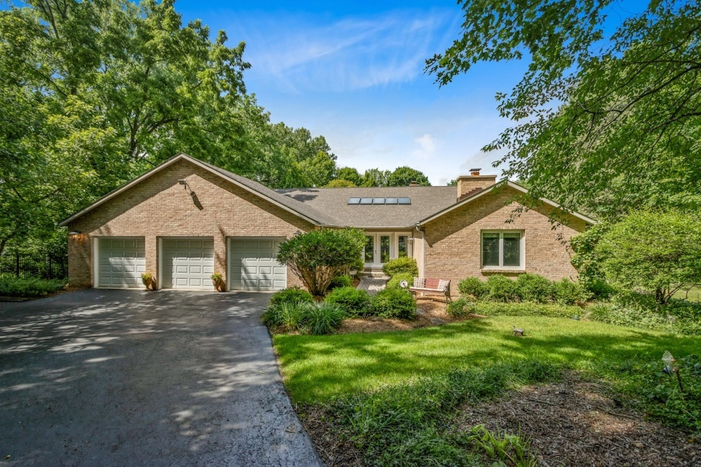 35W490 Chateau West Drive, West Dundee