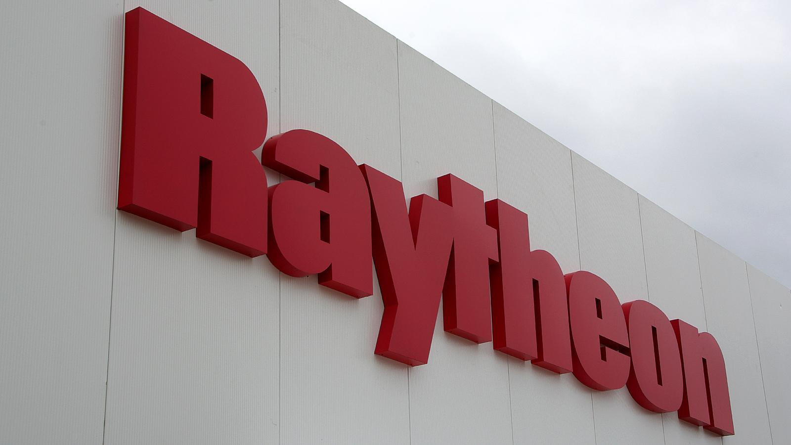 Imgp4331 raytheon logo