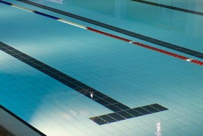Medium pool