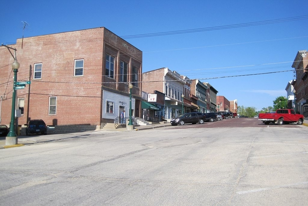 Downtown Mount Carroll's Market Street, a city in which residents are projected to pay an additional 721K in income taxes this year.