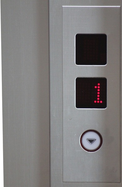 Large elevator