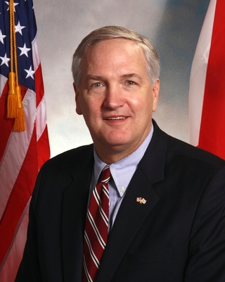 "Alabama Attorney General Luther Strange hosted a meeting of the Southern Region of the National Association of Attorneys General, titled ""Big Data: Challenges and Opportunities."""