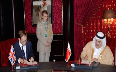 Bahrain minister of foreign affairs meets with U.K. representative to sign naval support arrangements