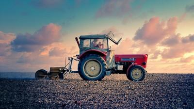 Medium tractor