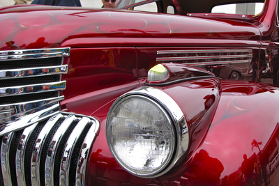 There's a long-running monthly car show for customs that takes place at Plucker's Wing Bar in Killeen.