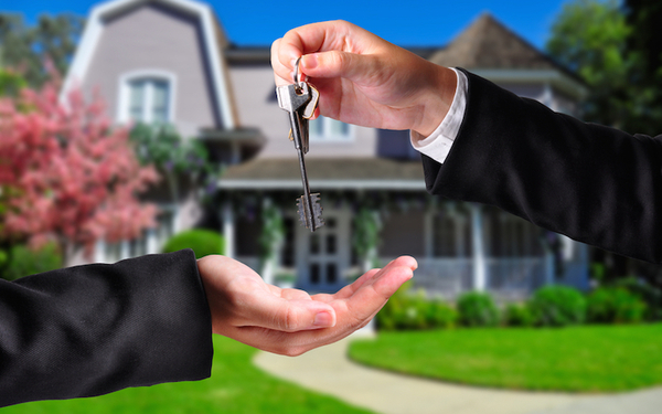 The course fulfills requirements for an Illinois Real Estate Broker license.