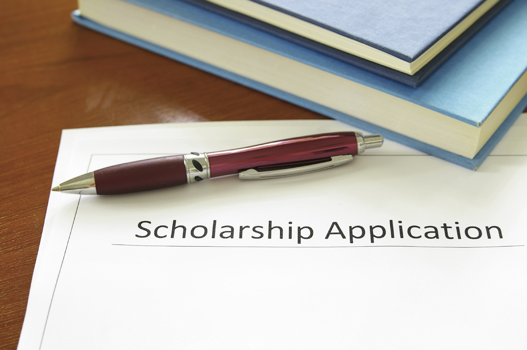 The $1,000 scholarship is offered each year for graduate students who are pursuing a career in pharmacy.
