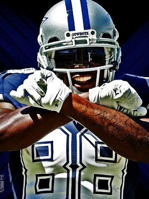 Dez Bryant throws up his signature