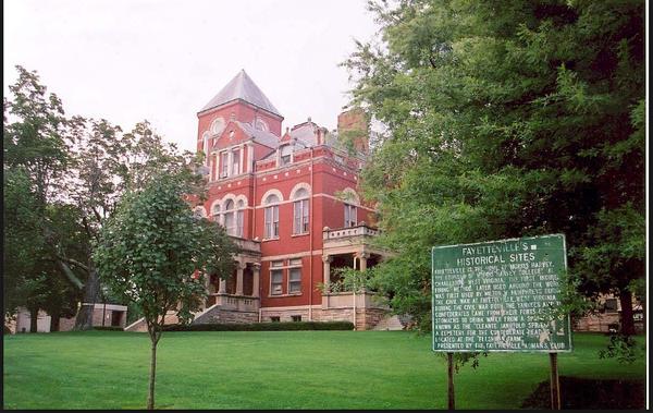 Large fayettecountycourthouse