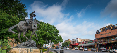 With its proximity to Austin and San Antonio, La Cima residents will enjoy the community's convenient location coupled with the charm of historic and vibrant San Marcos.