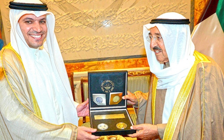 Sheikh Sabah Al-Ahmad Al-Jaber Al-Sabah (right) celebrates the commemorative coins alongside Dr. Mohammed Y. Al-Hashel (left), head of the Central Bank of Kuwait.