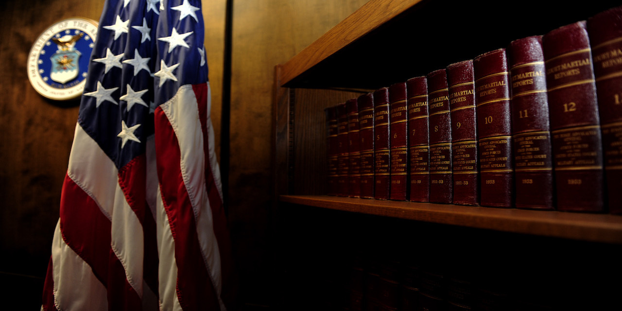 Lawbookscourtroom