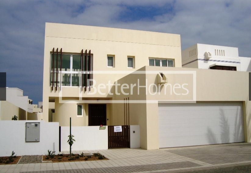 A detached three bedroom villa is available in The Wave