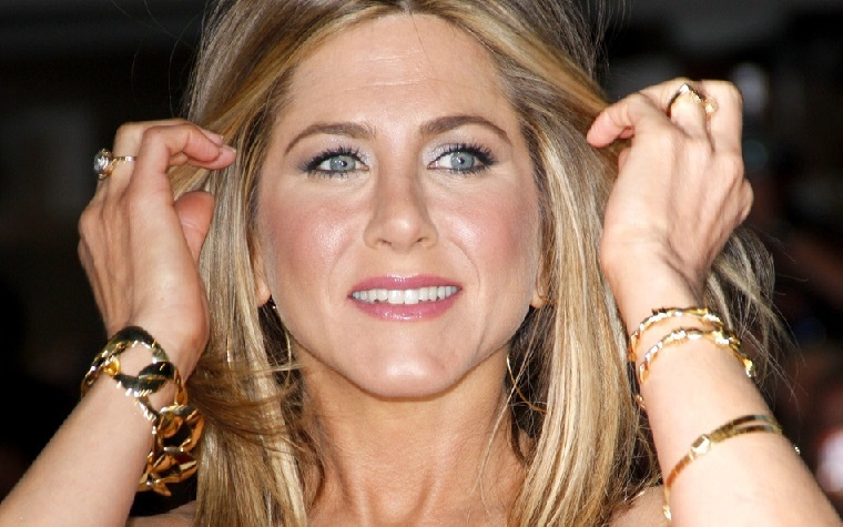 Emirates banks on Aniston ads to fuel airline publicity