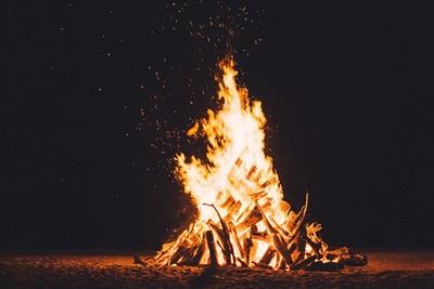 Medium bonfire