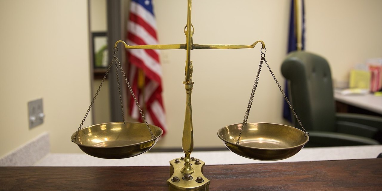 1599px scales of justice (15030066870)