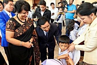 Lao PDR immunizes 1.5 million children against Japanese encephalitis