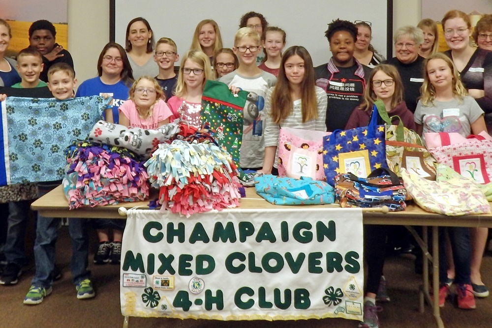 2017 Champaign Mixed Clovers 4-H Sew-a-Thon Team
