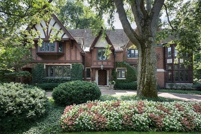 86 Indian Hill Road, Winnetka