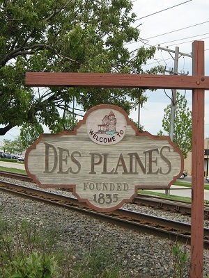 Large welcome to the city of des plaines sign
