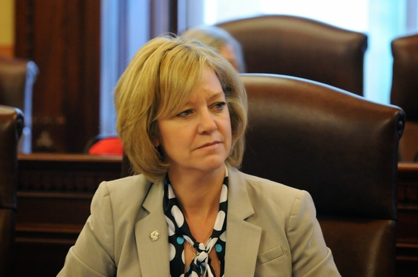 State Rep. Jeanne Ives (R-Wheaton) sponsored a bill that would force school districts to accurately report how much they are borrowing