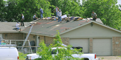 Medium 1599px fema   44364   roof repair workers in oklahoma