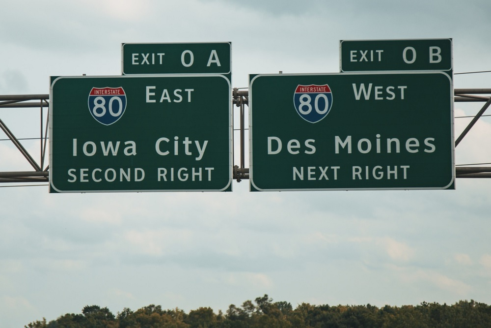 West Des Moines Highway Sign