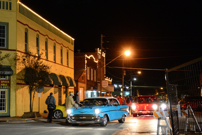 Hot rods began arriving in bulk on Friday night for the annual Hoot Rods and hatters show in Lockhart last weekend.