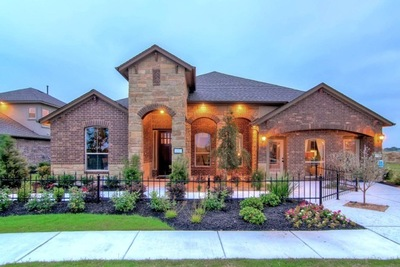 Located across from picturesque Lake Pflugerville, Sorento is an exceptional new community by D.R. Horton and Emerald Homes.