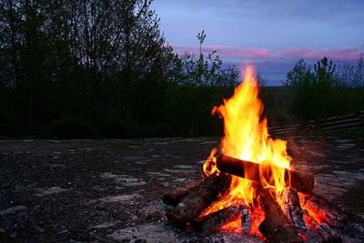 Medium campfire