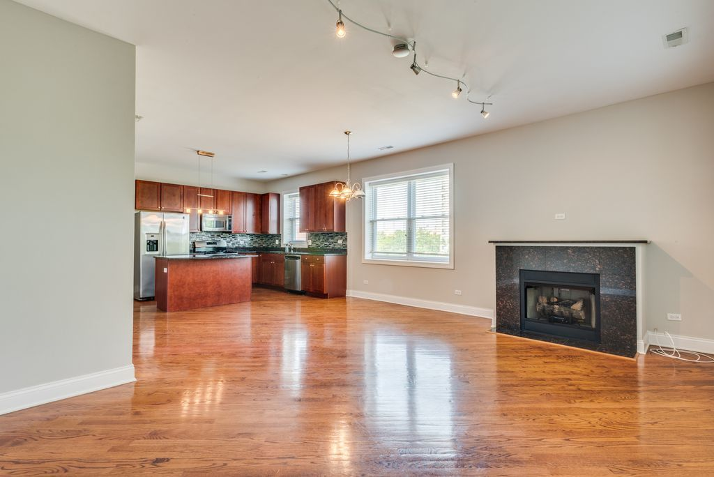 The condo located at 3608 S. Ellis Ave. in Oakland, currently offered for $249.9K, currently offered for $249.9K, had a 2016 property tax bill of $4,407.