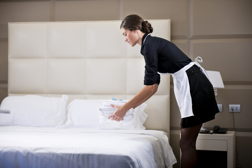 A survey by the  Middle East Cleaning Technology Week showed a hotel's commercial laundry services 1,500 pieces of linen on a weekday and an average of 2,000 on weekends.