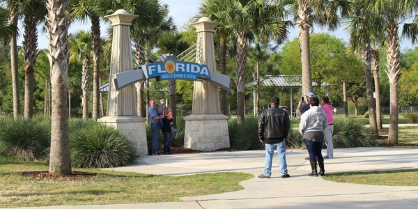 Large florida welcomes you sign
