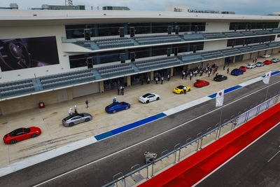 The COTA event began mid-afternoon with designated guests driving one of ten 2017 Porsche 911 Carrera S vehicles.