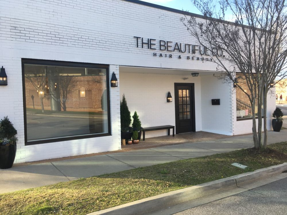 The salon's grand opening was celebrated with a ribbon-cutting attended by chamber members.