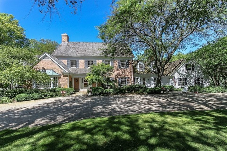 The owners of this estate on Donlea Rd. in Barrington Hills lost $2 million on their home, inflation-adjusted
