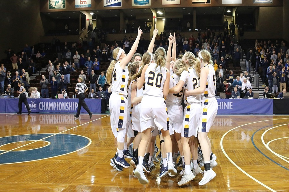 AUGUSTANA UNIVERSITY: Women's Basketball Leaps to No. 3 in ...