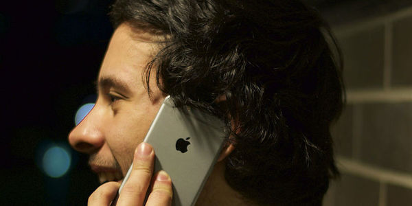 Large talking on iphone 6