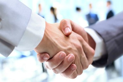 Medium handshake760