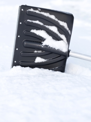 Large snowshovel
