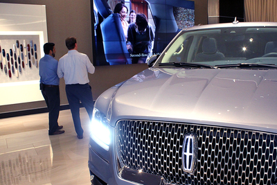 The Lincoln Experience combines a lounge, a showroom and a myriad of multimedia presentations.