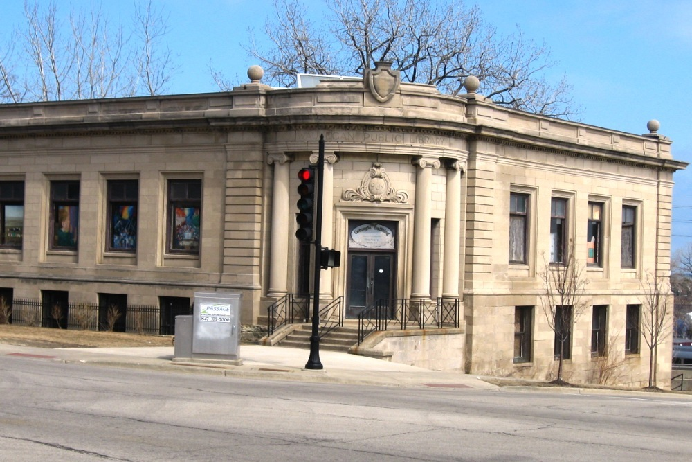 The original Waukegan Public Library Building by Carnegie