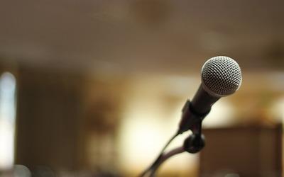 Medium microphone speech