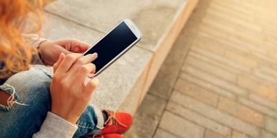 Medium phone 01